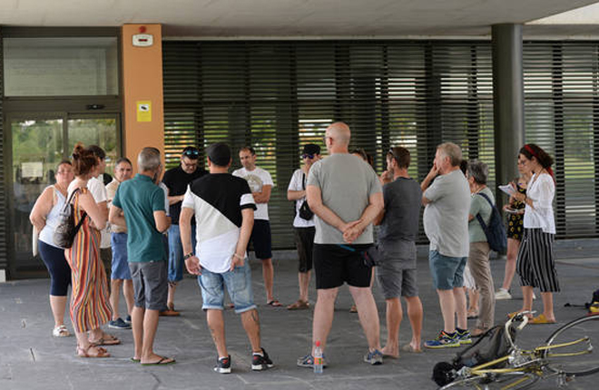 NAVARRA: Ultiman un manifiesto contra las salas de juego en Sarriguren