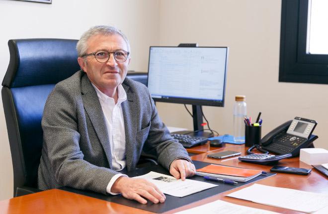 Rafael Beneyto, director de Tributos y Juego de la Generalitat Valenciana, habla sobre los juegos públicos, las distancias entre salones, el mando en hostelería, la tributación de los bingos, ...