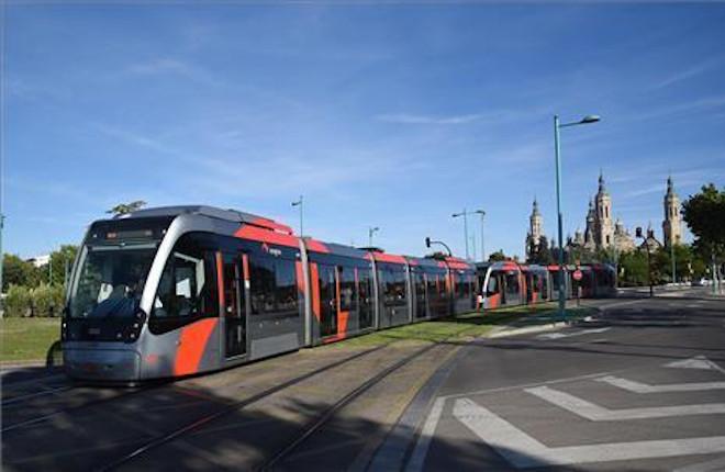ZARAGOZA: El tranvía estrena publicidad pero no podrá llevar del juego