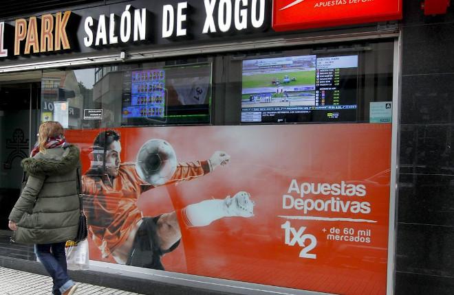 Los salones de Galicia podrán cerrar media hora más tarde