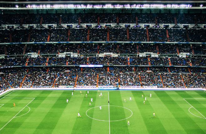 El fútbol mira de reojo la limitación de la publicidad de las casas de apuestas
