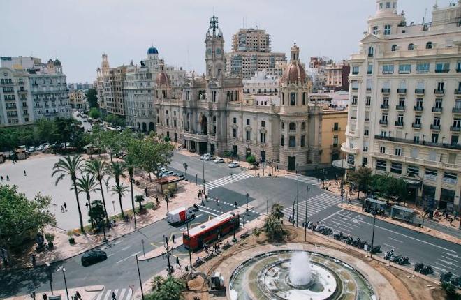 Congregación de los trabajadores de salones y del sector del juego en general el próximo lunes en la plaza del Ayuntamiento de Valencia