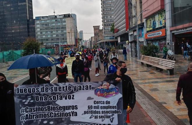 Propietarios y trabajadores de casinos protestaron en el centro de Bogotá