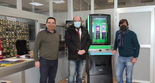 Manhattan brilla en la visita de la Junta de Castilla y León a Comdibal Valladolid